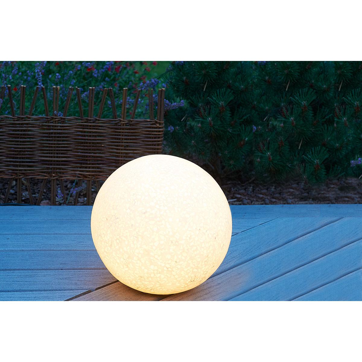 boule lumineuse quels sont mes conseils pour am nager et d corer un jardin. Black Bedroom Furniture Sets. Home Design Ideas